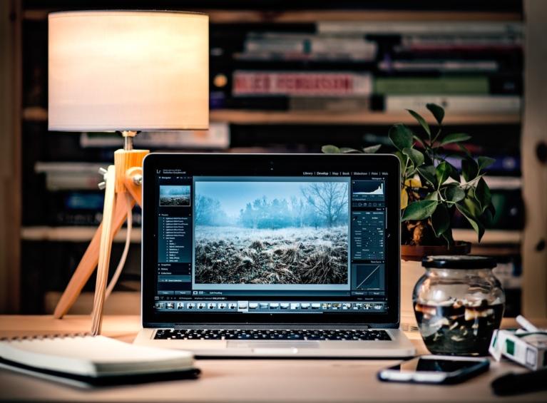 internet marketing for real estate investors - clean desk